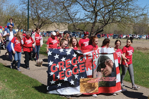 "The ""Greggers Leggers"" team walks at the Parkinson's Foundation's Moving Day."